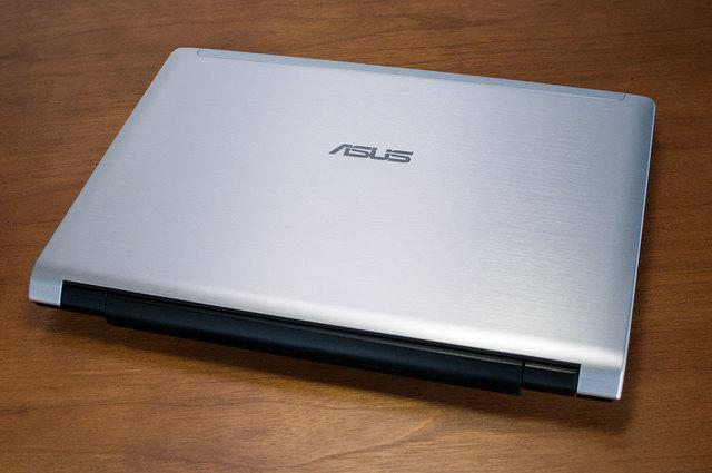 ASUS-UL20A-01.jpg