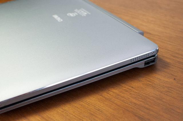 HiBook-Pro-17.jpg