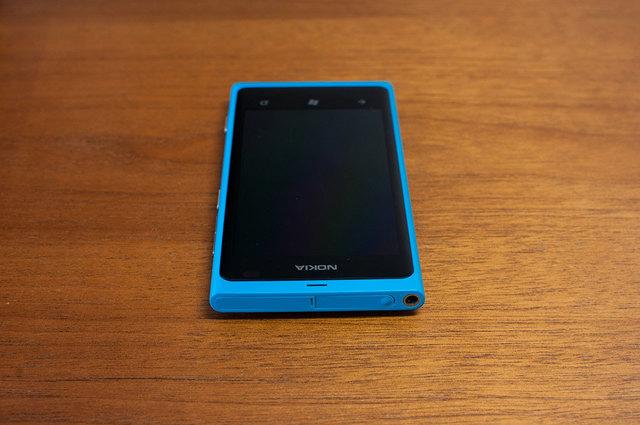 Lumia 800-06.jpg