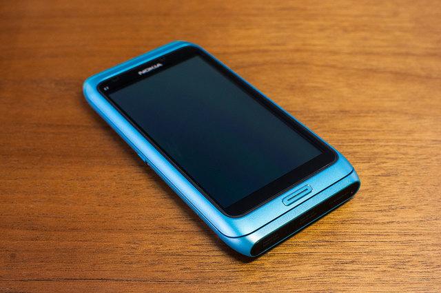 Nokia E7-01.jpg