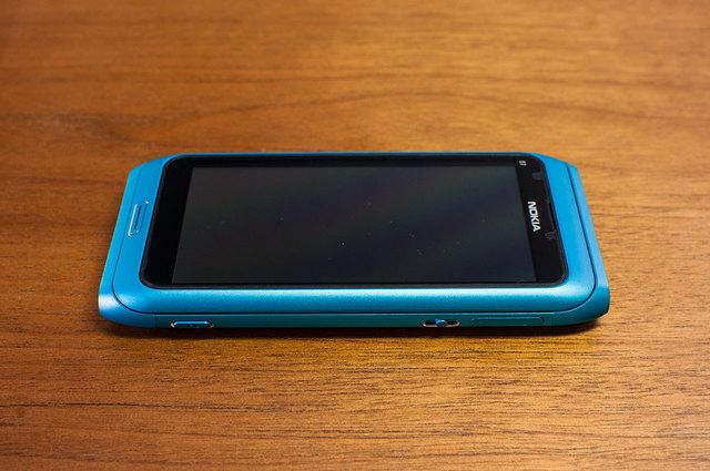 Nokia E7-03.jpg