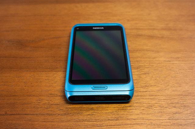 Nokia E7-05.jpg