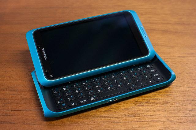 Nokia E7-09.jpg