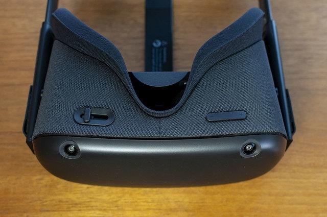 OculusQuest-04.jpg