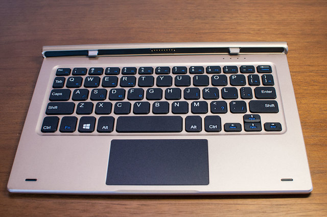 Teclast-TBook-10-Keyboard-03.jpg