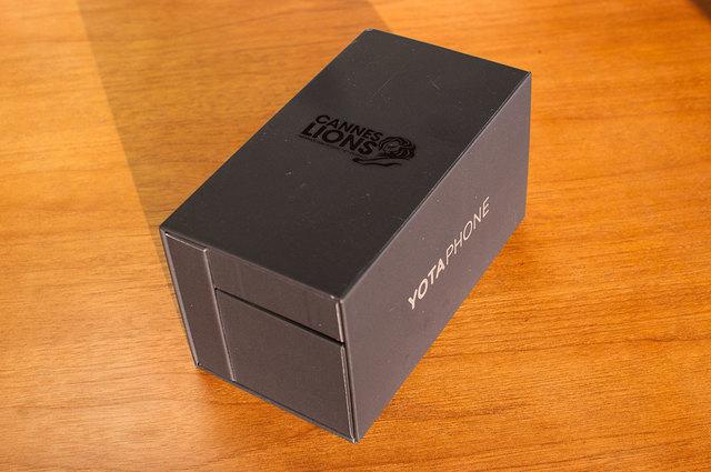 Yota-Phone-2-01.jpg