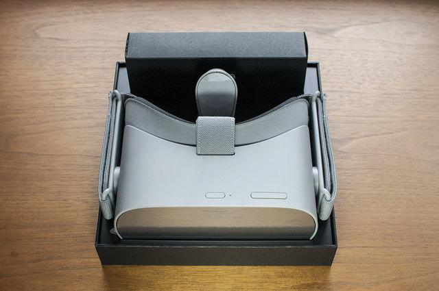 Oculus-GO-02.jpg